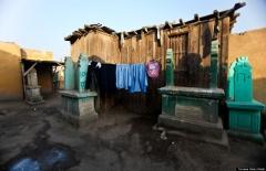 """""""La cité des morts"""" de el-Arafa: un gigantesque quartier du Caire construit sur un cimetière"""