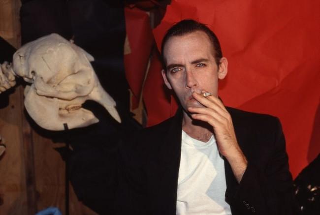 David-Wojnarowiwicz-at-home-NYC-1990-810x545.jpg.523627cd00d7989d3df50d95552c85cc.jpg